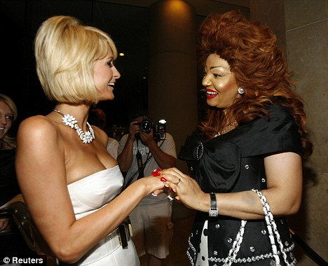 Paris Hilton et Chantal Biya