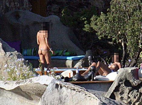 Harem de filles dénudées