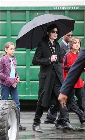 Michaël Jackson entre Paris (gauche) et Michaël Joseph