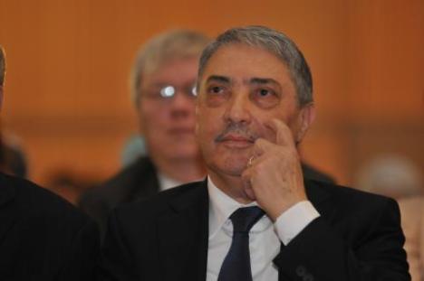 Ali Benflis is watching you !